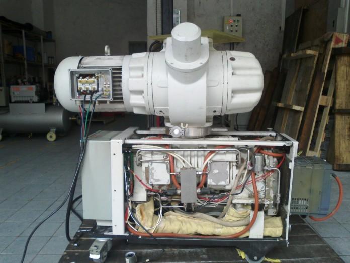以上莱宝真空泵维修保养项目为真空泵日常小保养常规更换配件清单。 东莞比其尔是一家集研发,生产,代理,销售为一体的综合性真空设备厂家。我们有近10年的真空行业经验,设立了专业的维修车间,配备各种进口的专业真空泵检测维修设备,在真空泵维修、进口真空泵维修、莱宝LEYBOLD真空泵维修、普旭BUSCH真空泵维修、贝克BECKER真空泵维修、里其乐RIETSCHLE真空泵维修、爱德华BOC EDWARDS干式真空泵维修、油式真空泵维修、无油式真空泵维修各方面有着精湛成熟的技术 尊敬的真空泵用户朋友们,如果你的真空